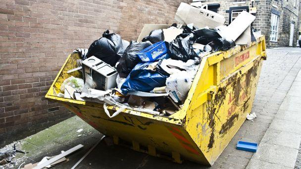 Veľkoobjemové kontajnery na jesenné upratovanie