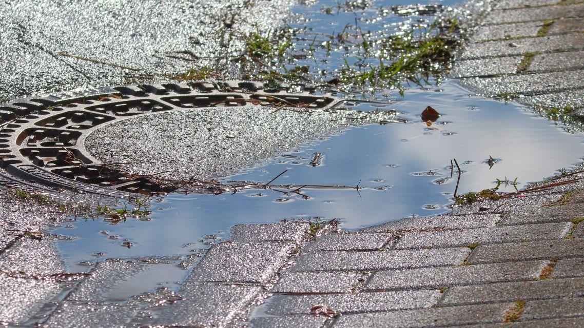 Zavážanie potoka sutinami, vypúšťanie odpadových vôd do rigolov - čo s tým ďalej?